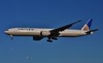 鉄バスさんが、成田国際空港で撮影したユナイテッド航空 777-322/ERの航空フォト(写真)