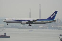 神宮寺ももさんが、香港国際空港で撮影した全日空 767-381/ERの航空フォト(飛行機 写真・画像)