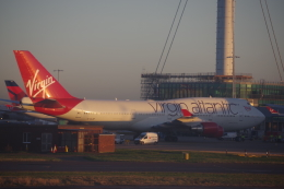 JA8037さんが、ロンドン・ヒースロー空港で撮影したヴァージン・アトランティック航空 747-443の航空フォト(飛行機 写真・画像)
