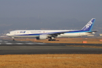 sumihan_2010さんが、伊丹空港で撮影した全日空 777-381/ERの航空フォト(写真)