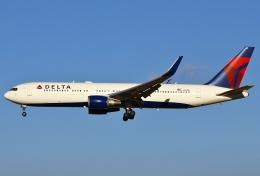 あしゅーさんが、成田国際空港で撮影したデルタ航空 767-332/ERの航空フォト(写真)