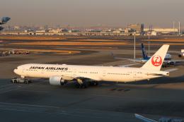 らむえあたーびんさんが、羽田空港で撮影した日本航空 777-346/ERの航空フォト(飛行機 写真・画像)