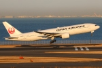 まえちんさんが、羽田空港で撮影した日本航空 777-246の航空フォト(写真)