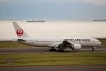 ハピネスさんが、中部国際空港で撮影した日本航空 777-246/ERの航空フォト(飛行機 写真・画像)
