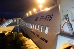 panchiさんが、ケプラヴィーク国際空港で撮影したアイスランド航空 757-256の航空フォト(飛行機 写真・画像)