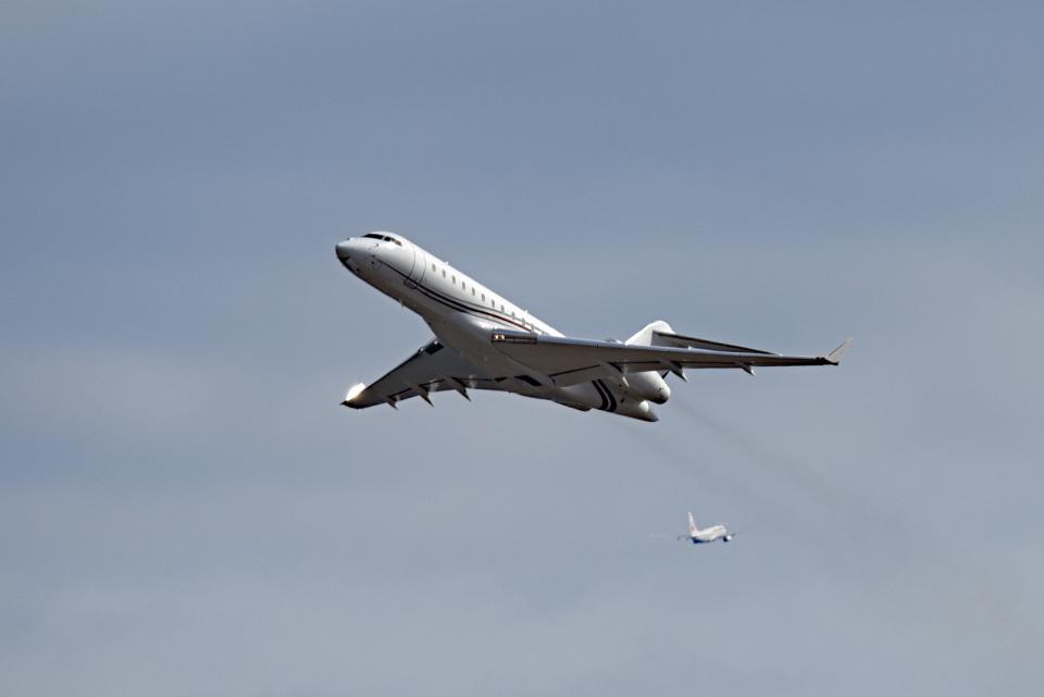 tsubasa0624さんのプライベートエア Bombardier BD-700 Global Express/5000/6000 (N907PH) 航空フォト