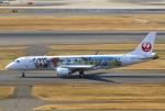 あしゅーさんが、羽田空港で撮影したジェイ・エア ERJ-190-100(ERJ-190STD)の航空フォト(飛行機 写真・画像)