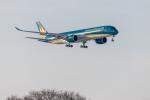 Y-Kenzoさんが、成田国際空港で撮影したベトナム航空 A350-941XWBの航空フォト(写真)
