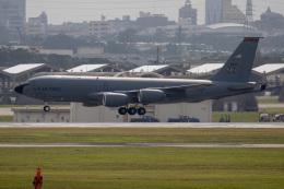 チャッピー・シミズさんが、嘉手納飛行場で撮影したアメリカ空軍 KC-135R Stratotanker (717-148)の航空フォト(写真)