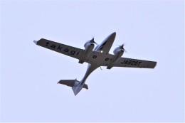 yoshibouさんが、静岡空港で撮影した日本法人所有 DA42 NG TwinStarの航空フォト(写真)