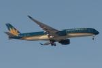 木人さんが、成田国際空港で撮影したベトナム航空 A350-941XWBの航空フォト(写真)