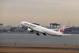 ま~くんさんが、羽田空港で撮影した日本航空 777-346/ERの航空フォト(飛行機 写真・画像)