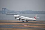 kozikoziさんが、羽田空港で撮影した日本航空 777-246/ERの航空フォト(写真)