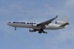 地主さんが、成田国際空港で撮影したウエスタン・グローバル・エアラインズ MD-11Fの航空フォト(写真)