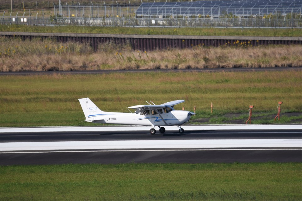 kumagorouさんの崇城大学 Cessna 172 (JA31UK) 航空フォト