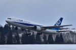 falconさんが、秋田空港で撮影した全日空 767-381の航空フォト(写真)