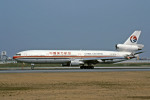 Gambardierさんが、伊丹空港で撮影した中国東方航空 MD-11の航空フォト(写真)