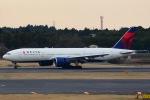 NRT16-34さんが、成田国際空港で撮影したデルタ航空 777-232/LRの航空フォト(写真)
