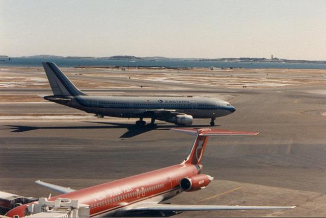 BOSTONさんが、ジェネラル・エドワード・ローレンス・ローガン国際空港で撮影したイースタン航空 (〜1991) A300B4-2Cの航空フォト(飛行機 写真・画像)