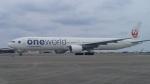 AlphaWing737ケインさんが、那覇空港で撮影した日本航空 777-346の航空フォト(写真)