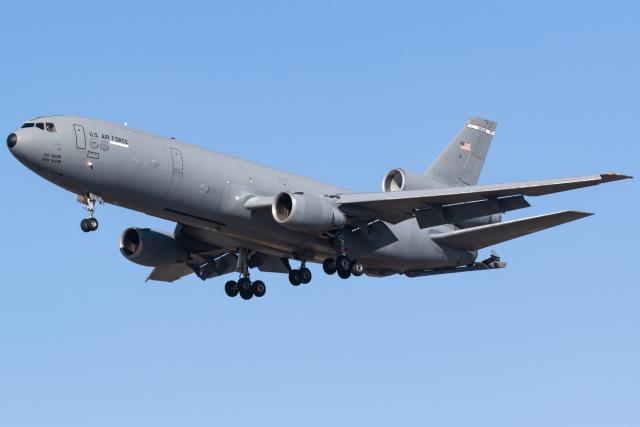 INSKYさんが、烏山空軍基地で撮影したアメリカ空軍 KC-10A Extender (DC-10-30CF)の航空フォト(飛行機 写真・画像)