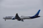 JA8037さんが、フランクフルト国際空港で撮影したクウェート航空 777-369/ERの航空フォト(写真)
