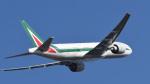 パンダさんが、成田国際空港で撮影したアリタリア航空 777-243/ERの航空フォト(写真)