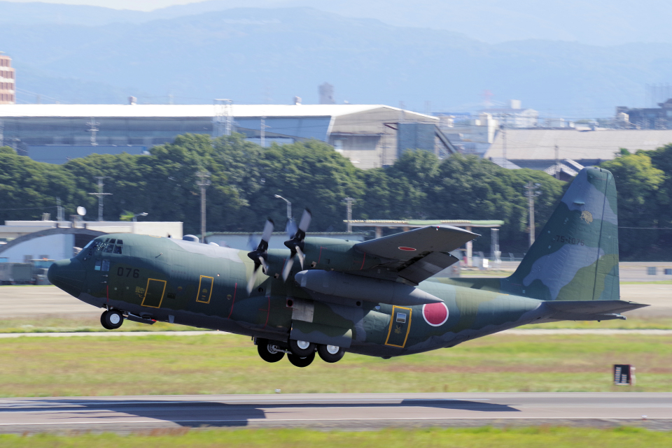 yabyanさんの航空自衛隊 Lockheed C-130 Hercules (75-1076) 航空フォト
