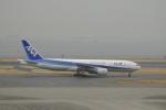ユターさんが、羽田空港で撮影した全日空 777-281の航空フォト(写真)