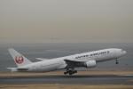 ユターさんが、羽田空港で撮影した日本航空 777-289の航空フォト(写真)