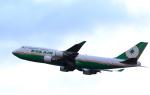 TAKAHIDEさんが、新千歳空港で撮影したエバー航空 747-45Eの航空フォト(写真)