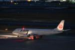 t.nagasakaさんが、羽田空港で撮影したジェイ・エア ERJ-190-100(ERJ-190STD)の航空フォト(写真)