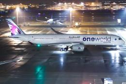 グリスさんが、羽田空港で撮影したカタール航空 A350-941XWBの航空フォト(写真)