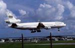 ITM58さんが、嘉手納飛行場で撮影したワールド・エアウェイズ MD-11の航空フォト(写真)