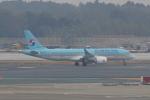 Hitsujiさんが、成田国際空港で撮影した大韓航空 A220-300 (BD-500-1A11)の航空フォト(写真)