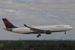 starlightさんが、ロンドン・ヒースロー空港で撮影したデルタ航空 A330-223の航空フォト(写真)