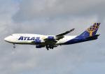 じーく。さんが、嘉手納飛行場で撮影したアトラス航空 747-45E(BDSF)の航空フォト(飛行機 写真・画像)