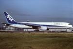 tassさんが、羽田空港で撮影した全日空 767-381の航空フォト(写真)