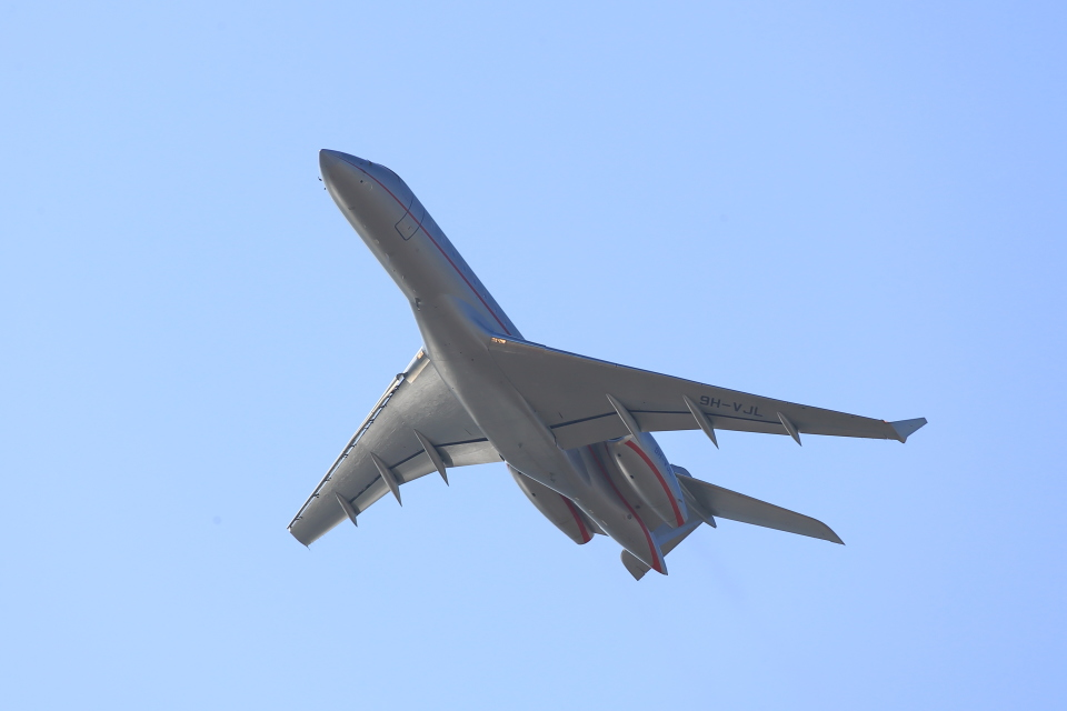 T.Sazenさんのビスタジェット Bombardier BD-700 Global Express/5000/6000 (9H-VJL) 航空フォト