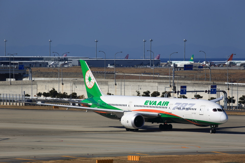 T.Sazenさんのエバー航空 Boeing 787-9 (B-17881) 航空フォト