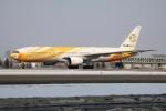 北の熊さんが、新千歳空港で撮影したノックスクート 777-212/ERの航空フォト(飛行機 写真・画像)