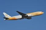 B747‐400さんが、成田国際空港で撮影したノックスクート 777-212/ERの航空フォト(写真)