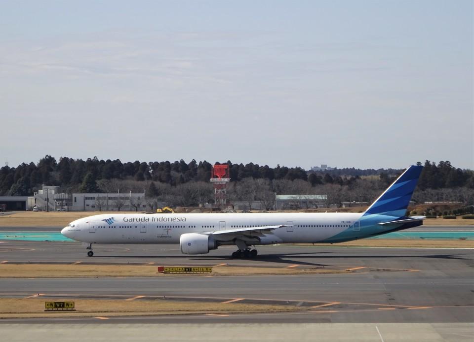 KAZFLYERさんのガルーダ・インドネシア航空 Boeing 777-300 (PK-GIG) 航空フォト