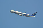 kaz787さんが、伊丹空港で撮影した全日空 767-381/ERの航空フォト(写真)