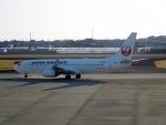 ハピネスさんが、高知空港で撮影した日本航空 737-846の航空フォト(飛行機 写真・画像)