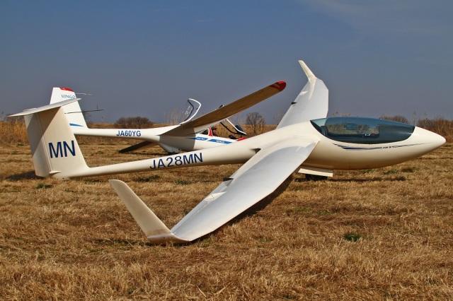 MOR1(新アカウント)さんが、読売加須滑空場で撮影した日本個人所有 ASW 28の航空フォト(飛行機 写真・画像)