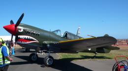 ちゃぽんさんが、アバロン空港で撮影したイギリス空軍 P-40N Warhawkの航空フォト(飛行機 写真・画像)