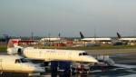 westtowerさんが、ワシントン・ダレス国際空港で撮影したエクスプレスジェット・エアラインズ ERJ-145XRの航空フォト(写真)