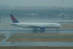 FRTさんが、羽田空港で撮影したデルタ航空 777-232/ERの航空フォト(飛行機 写真・画像)