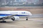 ふくかづさんが、福岡空港で撮影した全日空 777-381の航空フォト(写真)